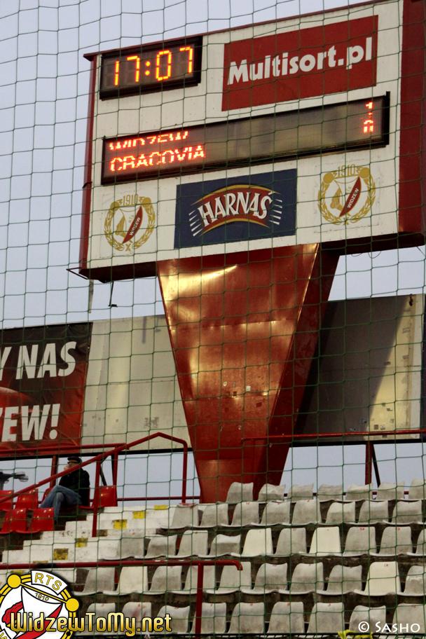 widzew_d_-_cracovia_20111030_1352245569